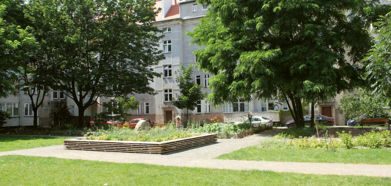 Rewaloryzacja podwórza przy ulicy Lompy we Wrocławiu